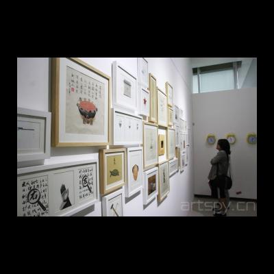 刘智峰《在现实的镜子中看不到梦里的真实》
