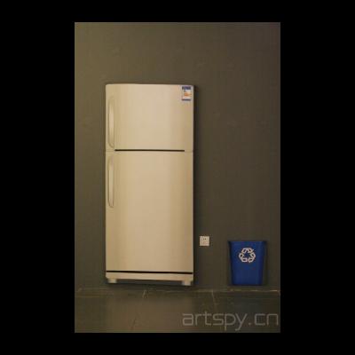 《物件—冰箱、垃圾桶》 程广峰