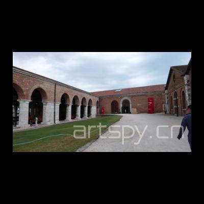 威尼斯双年展中国馆外