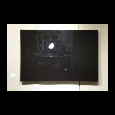 卢征远作品《房间中的月亮》