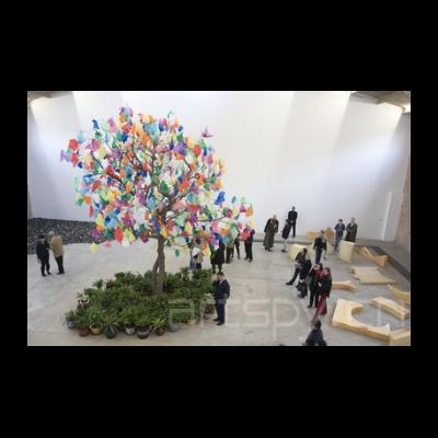 帕斯卡尔·马尔蒂那·塔尤《塑料树B》
