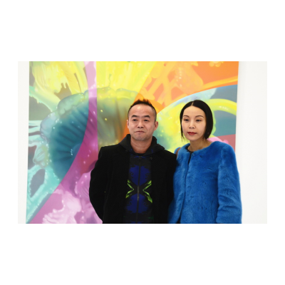 艺术家陈文波(左)